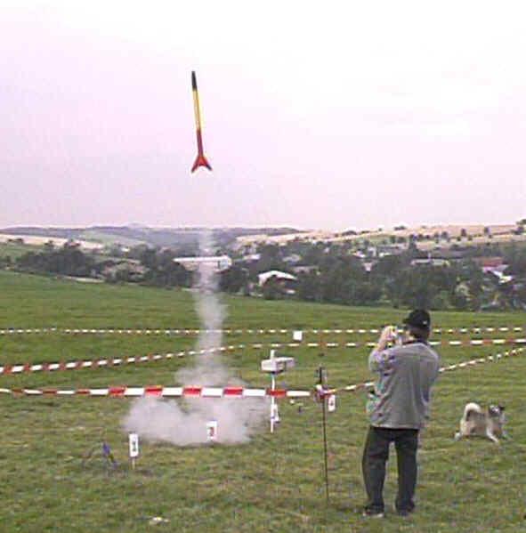 Josefs ROS-Rakete startet